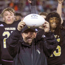 Donnie Kiefer to become new head football coach at West Ashley High